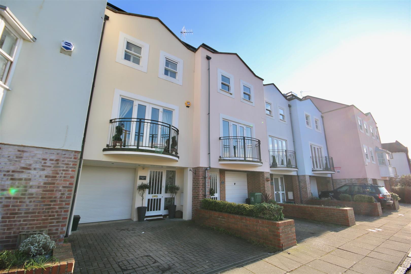 4 Bedrooms Town House for sale in White Hart Road, Portsmouth